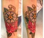 943_kompass-mit-rose